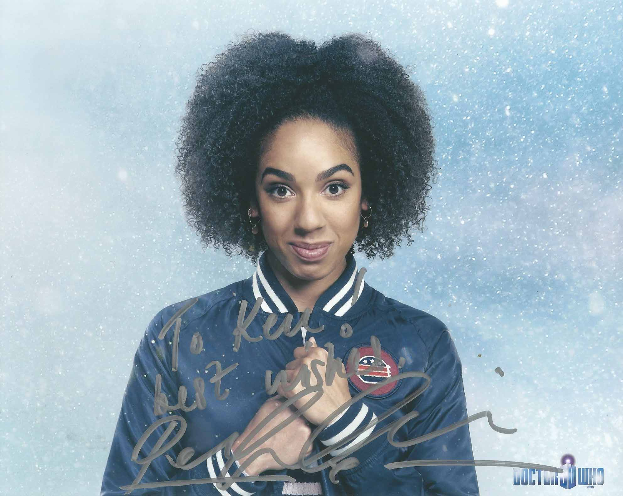 PearlMackie_autograph_small.jpg